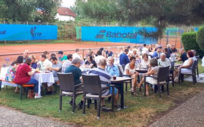 Burger, Drinks und gute Musik beim Sommerfest im Sportpark